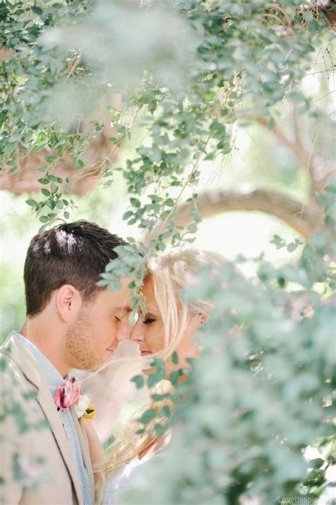 Outdoor Wedding Photography Ideas by Best 25 Outdoor Wedding Photography Ideas On