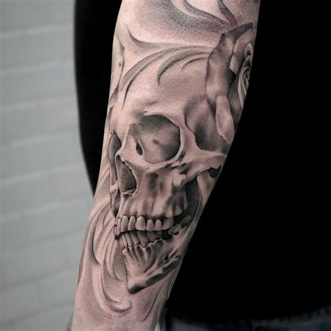 tattoo black and grey skull black and gray skull artist janissvars blackandgray