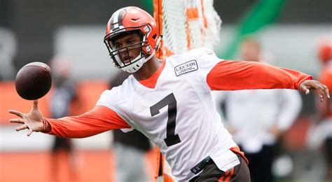 the kizer deshone kizer was terrible in scrimmage may get browns