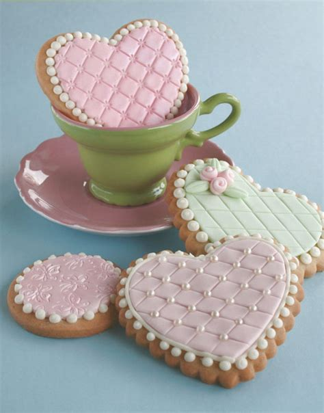 Cookies Decorated - embossed cookies cakejournal