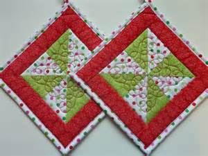 Free Potholder Quilt Patterns by Pin By Debi Maclean On Quilted Potholders