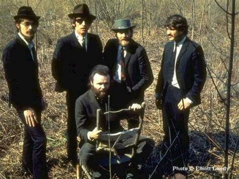 i m not with the band a writer s lost in books the band quot it makes no difference quot 171 american songwriter