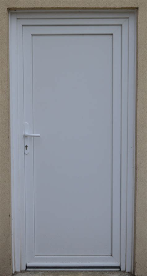 simple door a simple white pvc door by beldorion on deviantart