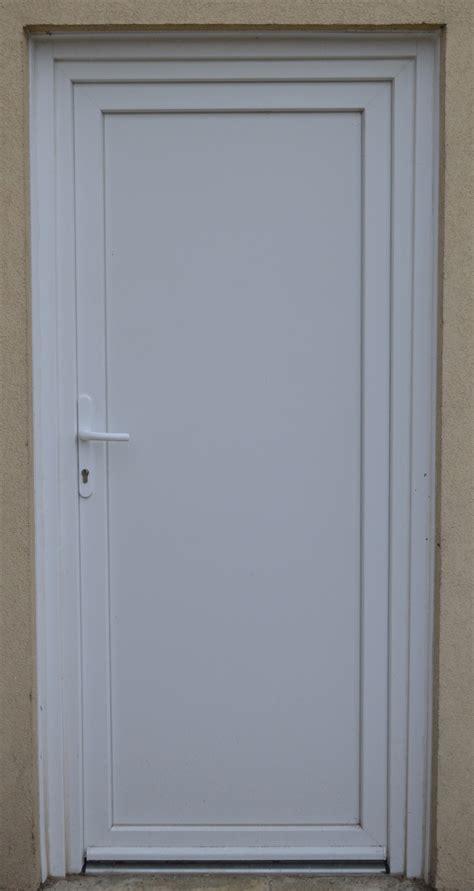 simple door a simple white pvc door by beldorion on deviantart