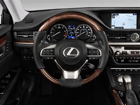 image  lexus es es  fwd steering wheel size    type gif posted