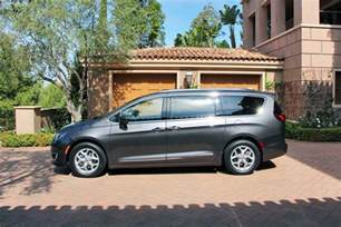 Chrysler Pacifica Awd 2017 Chrysler Pacifica Lovely American Minivan