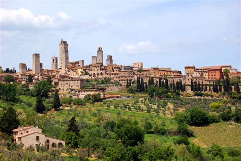 s geminiano tuscany s powerful towerful san gimignano by rick steves