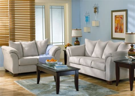 casual family room furniture creating a casual living room design