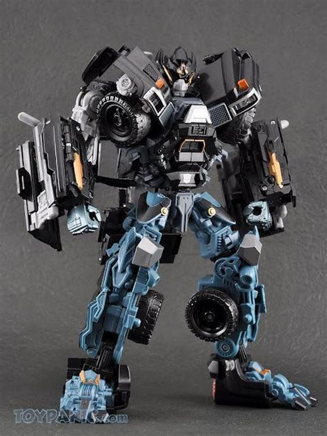 Figure Transformer Hm Ironhide of the moon leader class ironhide only myr250 00 with 2x panic point