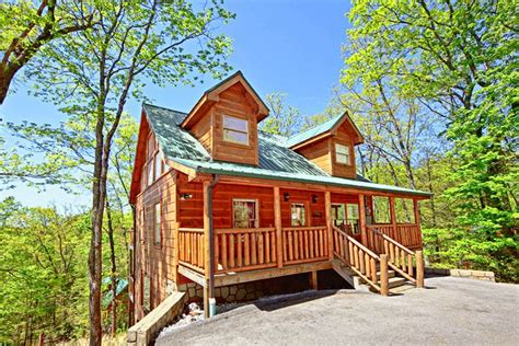 Cabin Rentals Near Gatlinburg Tennessee by Cabin Near Pigeon Forge 2 Bedroom Cabin Rental