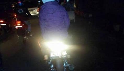 Lu Hid Putih Motor kontroversi lu hid pada motor bikin terang tapi celaka