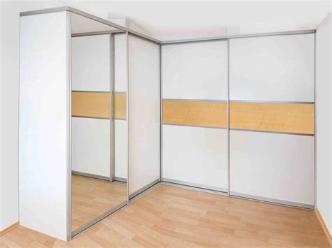 kleiderschrank schiebetüren günstig schlafzimmer modern wei 223 lila