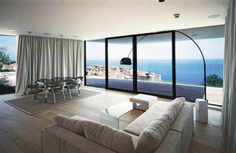 Charmant Architecture D Interieur Moderne #5: belle-idée-intérieur-pour-design-lampadaire-salon-design-magnifique-belle-vue-la-mer.jpg