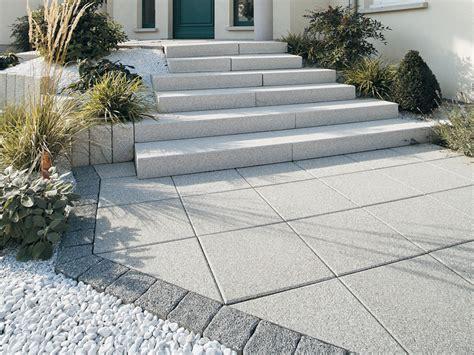terrassenplatten bilder terrassenplatten pflegemittel surfinser