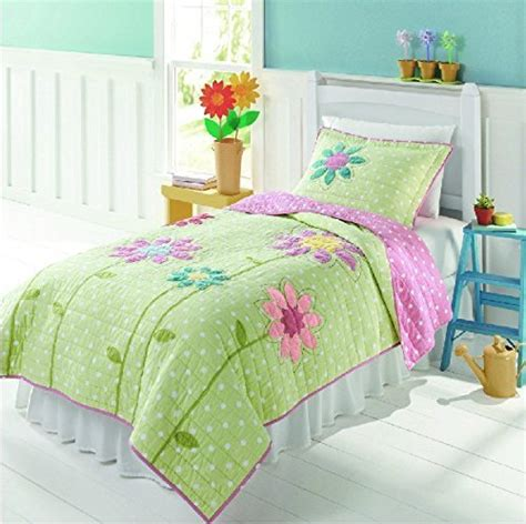 cute comforters for women 11 cute bedspreads for a beautiful bedroom