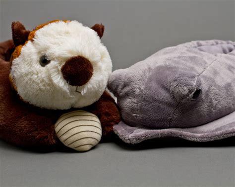 otter slippers omg otter and stingray slippers splash onto bunnyslippers