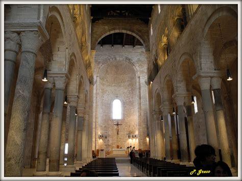 cattedrale di trani interno trani la cattedrale interno la grandiosa navata