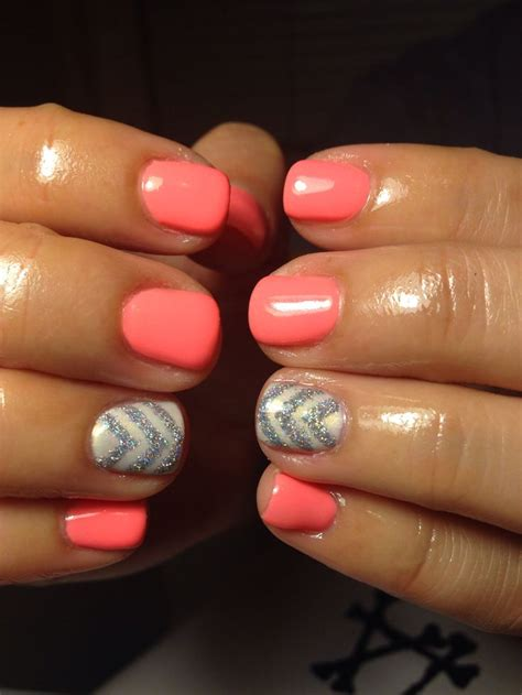 chevron pattern gel nails coral gel nails with silver chevron used all red carpet