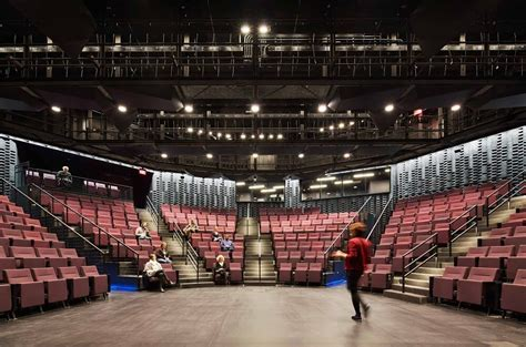 Writers Theater Creates a Modern Cultural Hub Outside