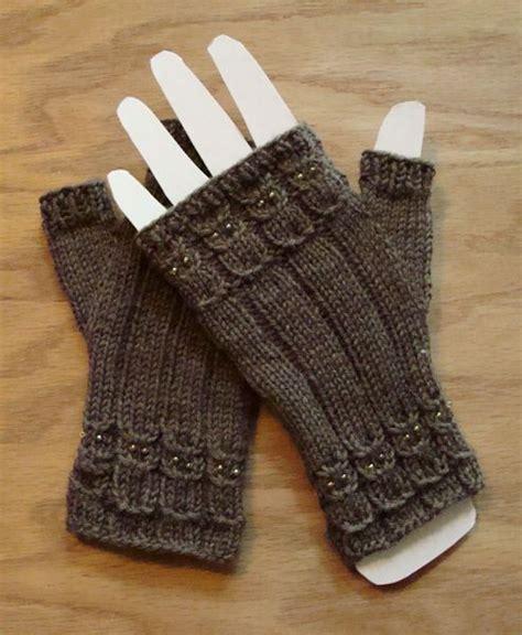 knitting pattern owl fingerless gloves bead knitter gallery owlings ii yarn pretty things