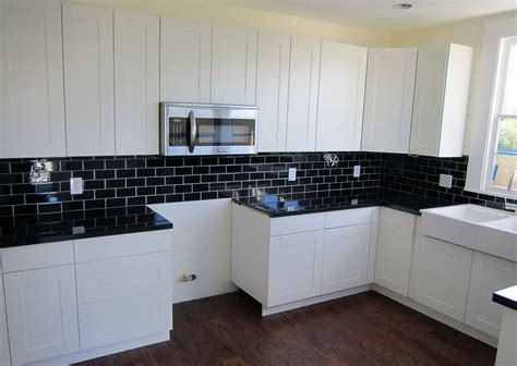 White Cabinets Backsplash And Also Kitchens Ideas Subway White Kitchen Cabinets Black Granite
