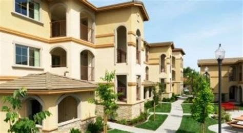 marquis living with 3 bed 2 bath apartment near