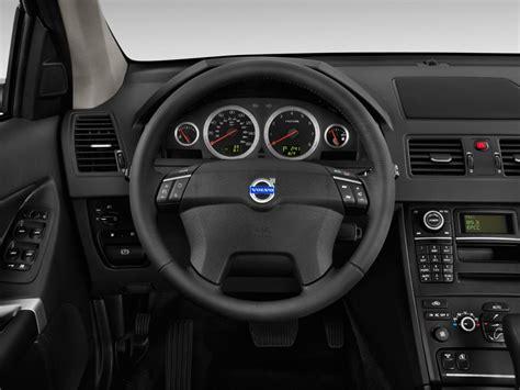 image  volvo xc fwd  door steering wheel size    type gif posted