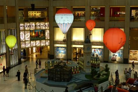 landmark hong kong new year new year decoration picture of the landmark