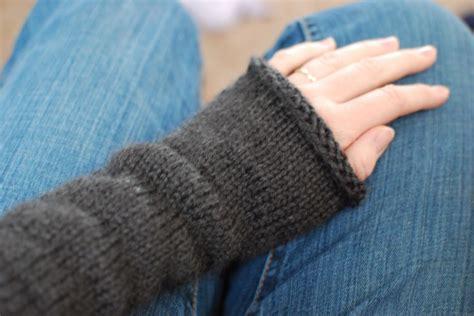 knitting pattern wrist warmers magic loop method the girl by the sea