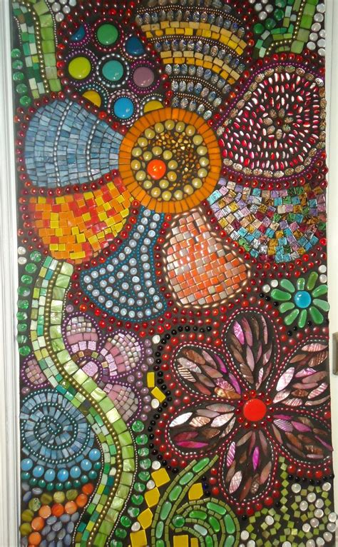 pattern of mosaic i d love to make something like this for my garden