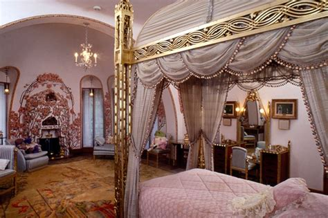 donald trump bedroom mar a lago inside donald trumps winter white house