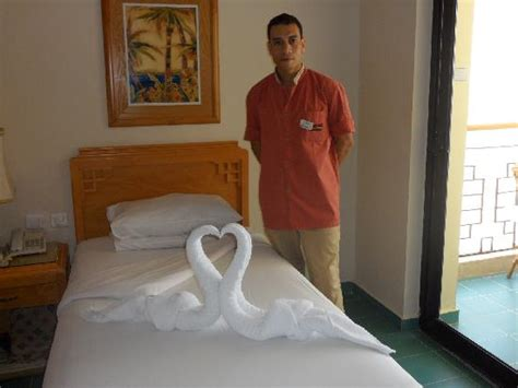 what does a room attendant do image gallery hotel room attendant