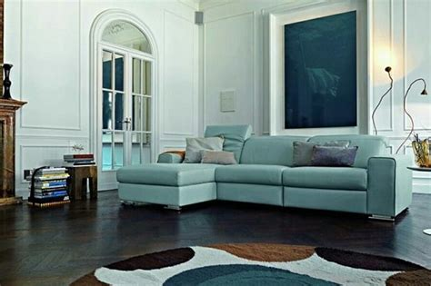 come pulire i divani in pelle come pulire un divano in pelle colorata i consigli per