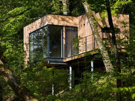 Salon De Jardin Enfant 2020 by Des Cabanes Bois Et Design Plong 233 Es Dans La Nature