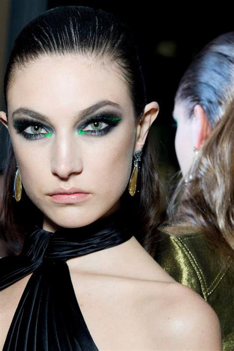 Makeup Versace a new look from versace makeup 2013 for you to celebrate the arrival of be modish