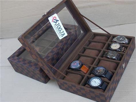 Box Tempat Jam Tangan Isi 12 Motif Lv lv damier box organizer for 12 watches