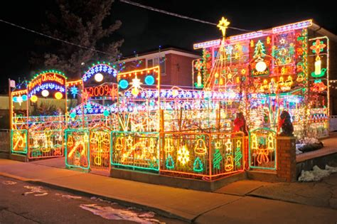 most impressive 3 d chistmas display but sometimes beautiful and lights in toronto