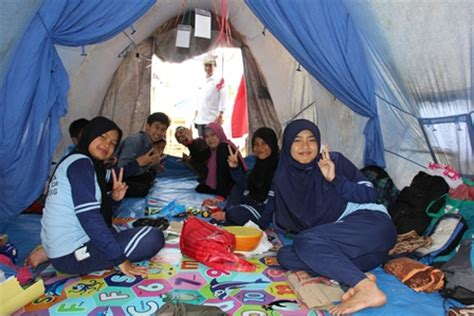Tenda Anak Karawang jumbara perekat empati pmr peduli korban bencana garut news