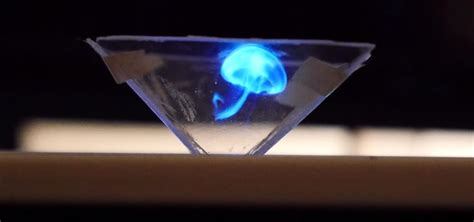 Proyektor Hologram Create This Easy Hologram Projector For Your Smartphone In