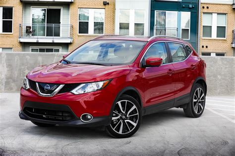 nissan sport 2018 2018 nissan rogue sport goes on sale virtually unchanged
