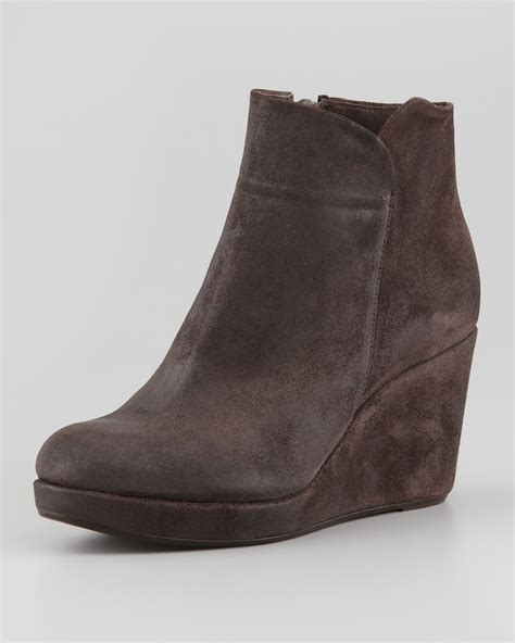 coclico hayleigh suede wedge bootie brown cishoes