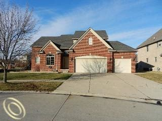 Clinton Township Houses For Sale by 17291 Devonshire Ct Clinton Township Michigan 48038