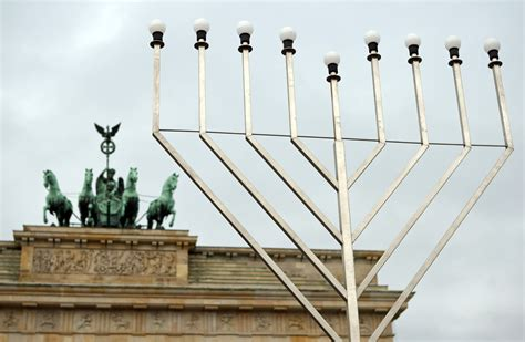 jewish festival of lights hanukkah 2014 history behind the jewish festival of lights
