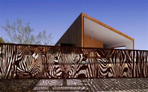moderne spiele sichtschutz zaun oder gartenmauer 102 ideen f 252 r