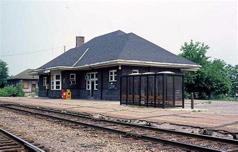 amtrak pontiac grand trunk western gtw pontiac mi station photo 1978