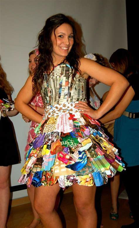 trajes de indio de material de desecho mejores 49 im 225 genes de vestidos hechos con reciclaje en
