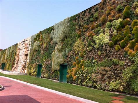 Largest Vertical Garden The Largest Vertical Garden In The World 171 Twistedsifter