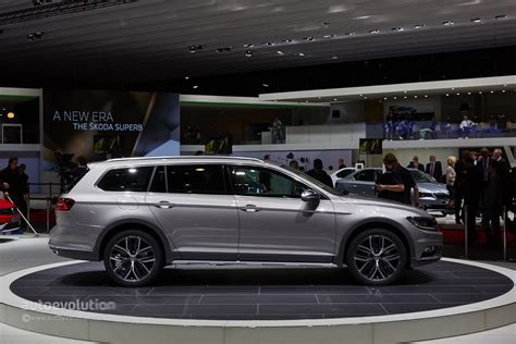 volkswagen alltrack black 2015 volkswagen passat alltrack makes a first appearance