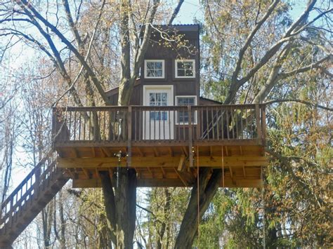 Livable Tree House Plans Amazing Treehouse Ideas Hgtv