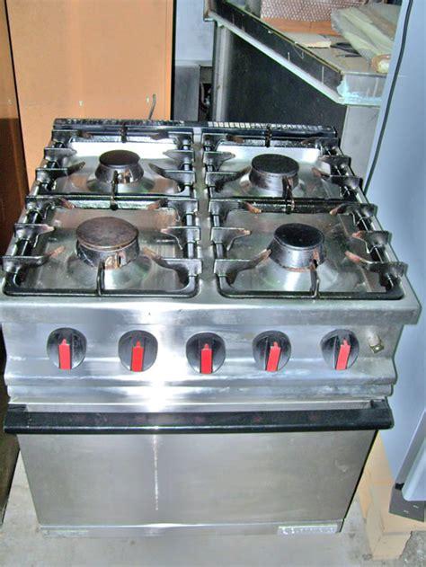 cucina gas usata cucine cucina 4 fuochi con forno a gas usata
